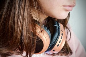 Acheter des écouteurs sans fils.